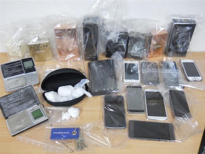 Diese Gegenstände stellte die Polizei in der Westhoffstraße sicher.