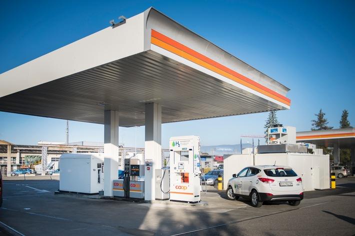 Coop inaugura la prima stazione pubblica di rifornimento di idrogeno della Svizzera / Investire nel futuro