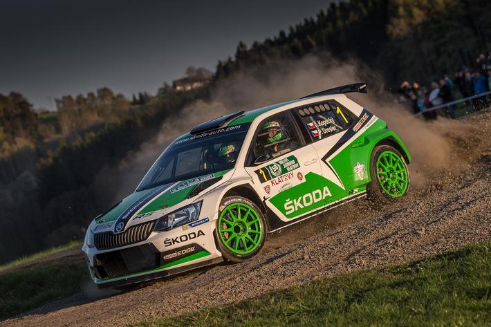 Perfekter Auftakt: Neuer SKODA Fabia R5 siegt bei seiner Rallye-Weltpremiere