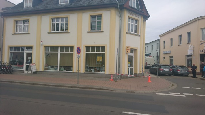 abgesperrte Postfiliale in Ahlbeck