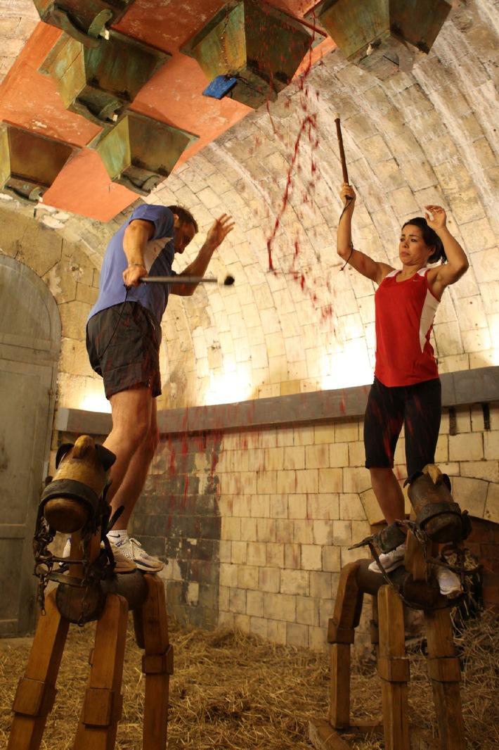 """""""Ich hatte Schnappatmung!"""" - Adrenalin-Kick für Fernanda Brandao bei """"Fort Boyard"""" am 25. Januar 2011 bei kabel eins / Atlantiktaufe, Schlangenlabyrinth und roter Glibber, der auf den Kopf fällt - Fernanda Brandao (27, """"DSDS"""") hat bei """"Fort Boyard"""" harte Prüfungen zu bestehen. In der nächsten Folge der kabel eins-Erfolgsshow muss die attraktive Brasilianerin in ein Verließ mit unzähligen Schlangen steigen, Kästen an der Decke mit ekliger Füllung von einem wackeligen Holzpferd aus aufschlagen oder sich hoch oben von denen Fort-Mauern in den Atlantik stürzen, um an die begehrten Schlüssel für ihr Team (die Sänger Liza Li und Ayman) zu gelangen. Foto: © kabel eins/Ralf Juergens / Dieses Bild darf honorarfrei bis 26. Januar 2011 fuer redaktionelle Zwecke und nur im Rahmen der Programmankuendigung verwendet werden. Spaetere Veroeffentlichungen sind nur nach Ruecksprache und ausdruecklicher Genehmigung der ProSiebenSat1 TV Deutschland GmbH moeglich. Verwendung nur mit vollstaendigem Copyrightvermerk. Das Foto darf nicht veraendert, bearbeitet und nur im Ganzen verwendet werden. Es darf nicht archiviert werden. Es darf nicht an Dritte weitergeleitet werden. Bei Fragen: 089/9507-2244. Voraussetzung fuer die Verwendung dieser Programmdaten ist die Zustimmung zu den  Allgemeinen Geschaeftsbedingungen der Presselounges der Sender der ProSiebenSat.1 Media AG."""