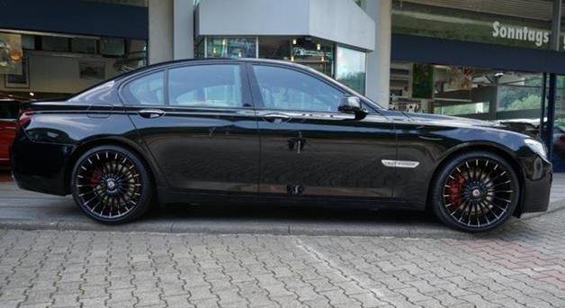 Entwendeter BMW 750i