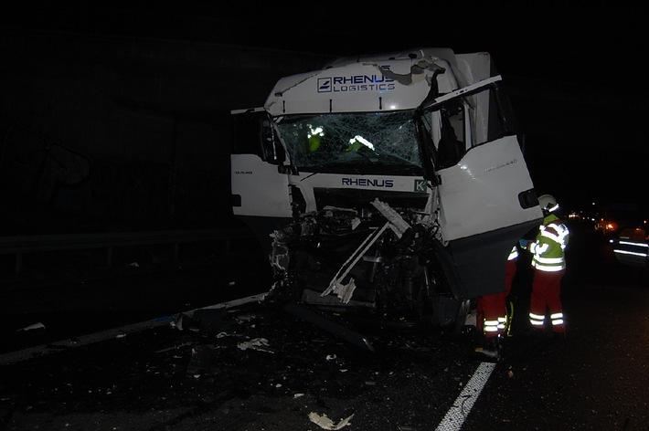 POL-HI: Schwerer Unfall auf der A 7 bei Hildesheim