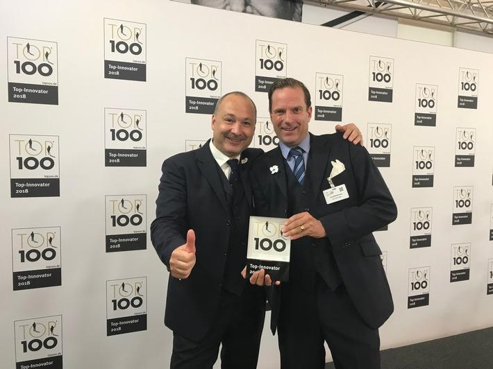 Stefan Graf, Leiter Sales & Services und Georg Freiherr von Wiedersberg freuen sich über die Auszeichung für TELE 5 zum TOP Innovator 2018