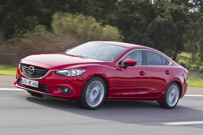 """Zwei erste Plätze und einen zweiten Platz verzeichnet Mazda bei der diesjährigen AUTO TROPHY, dem renommierten Leserpreis der Fachzeitschrift AUTO ZEITUNG und präsentiert sich somit als beliebteste japanische Marke. Wie im Vorjahr überzeugt der neue Mazda6 in der Kategorie Mittelklasse (Import). Weiterer Text über OTS und www.presseportal.de/pm/33972 / Die Verwendung dieses Bildes ist für redaktionelle Zwecke honorarfrei. Veröffentlichung bitte unter Quellenangabe: """"obs/Mazda"""""""