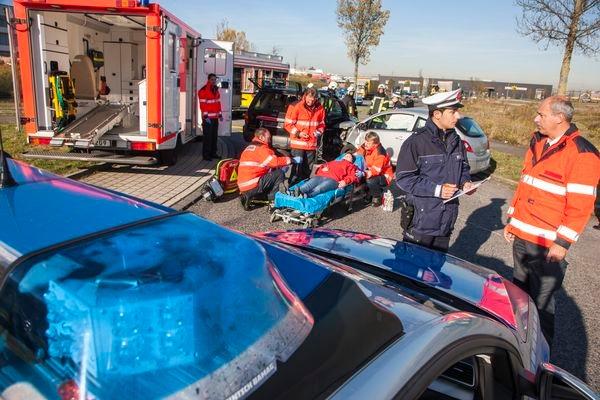 POL-REK: 171207-2: Ein Schwerverletzter nach Auffahrunfall- Wesseling