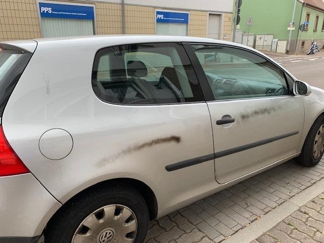 Sachbeschädigungen durch Graffiti am Auto