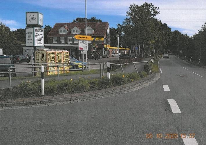 POL-WHV: Verkehrsunfallflucht in Schortens - Polizei sichert an der Unfallstelle (Foto) Spuren und sucht einen Mercedes Sprinter und Zeugenhinweise