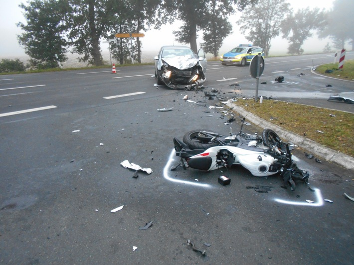 POL-ROW: Verkehrsunfall mit einem schwer verletzten Kradfahrer in Stemmen