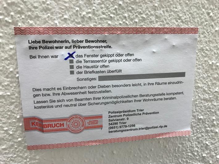 Solche Hinweiszettel klebten Polizeibeamte an 34 Häuser im Kreis Birkenfeld. © PP Trier