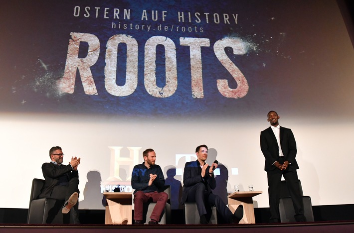 "MUNICH, GERMANY - MARCH 09: (EDITOR'S NOTE: Images only to be used mentioning HISTORY)  The HISTORY and Telekom preview screening of the new drama series 'Roots' on March 9, 2017 in Munich, Germany at Gloria Palast on March 9, 2017 in Munich, Germany. (from left to right: Tac Romey (Prof. at HFF Munich), Malko Solf (Seriencamp), Alexander Mazza (Moderator), Malachi Kirby) (Photo by Joerg Koch/Getty Images for HISTORY Germany); (Copyright: PR/HISTORY/Getty/Koch) / Weiterer Text über ots und www.presseportal.de/nr/55632 / Die Verwendung dieses Bildes ist für redaktionelle Zwecke honorarfrei. Veröffentlichung bitte unter Quellenangabe: ""obs/HISTORY/Joerg Koch"""