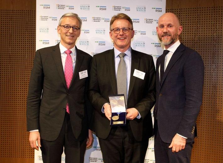 European Business Awards ceremony: Rolf Maihoefer (Senior Advisor at ELITE ? London Stock Exchange Group), Dr. Joachim Kuhn (Founder and CEO va-Q-tec), Adrian Tripp (CEO European Business Awards)