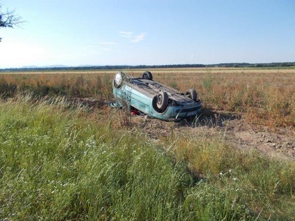POL-PDLD: Verkehrsunfall mit schwerverletzter Fahrerin