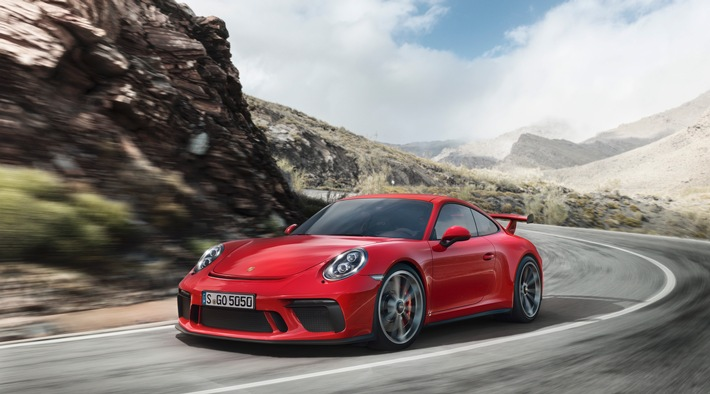 """Porsche 911 GT3 / Weiterer Text über ots und www.presseportal.ch/de/nr/100050872 / Die Verwendung dieses Bildes ist für redaktionelle Zwecke honorarfrei. Veröffentlichung bitte unter Quellenangabe: """"obs/Porsche Schweiz AG"""""""