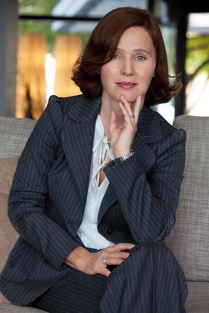 Friedrun Sabine Burkhalter wird Botschafterin des Schweizerischen Roten Kreuzes
