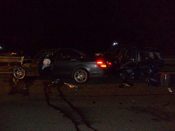 POL-HI: Hildesheim: Verkehrsunfall mit zwei Verletzten auf der B 243