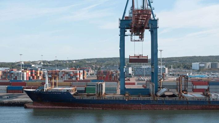 """Hannover Messe Digital Days zeichnen Projekt 5G Port of the Future des Hafens von Livorno aus. Weiterer Text über ots und www.presseportal.de/nr/13502 / Die Verwendung dieses Bildes ist für redaktionelle Zwecke honorarfrei. Veröffentlichung bitte unter Quellenangabe: """"obs/Ericsson GmbH"""""""