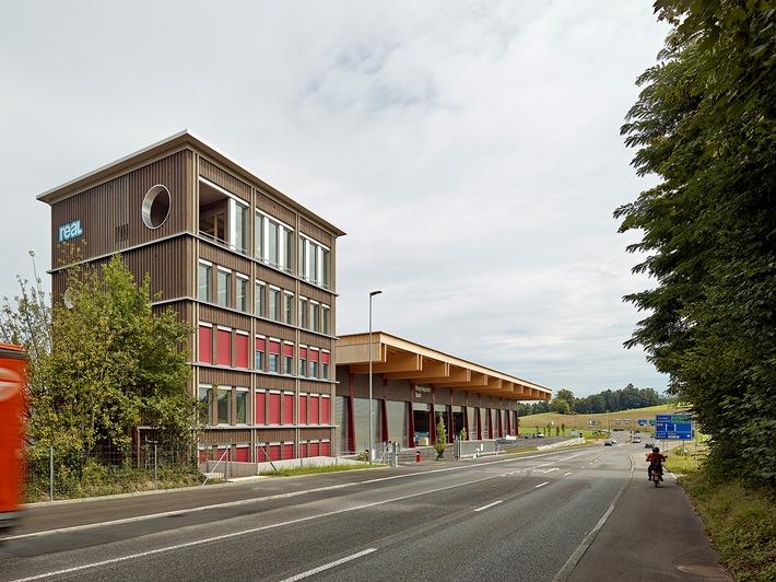 recyclingcenter-real-stahlbleche-schrauben-rohre-4.jpg