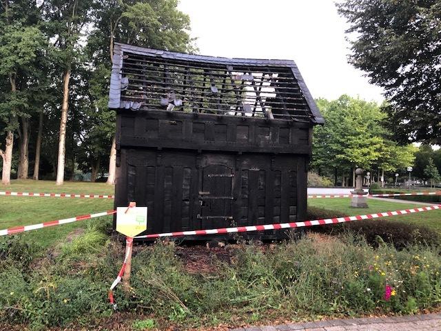 FW-EN: Abschlussmeldung Vollbrand des historischen Kornspeichers am Haus Martfeld