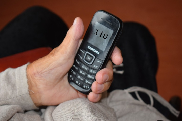 Ein perfider Trick der Betrüger: Die Polizei ruft jedoch niemals unter der Polizeinotruf-Nummer 110 an.