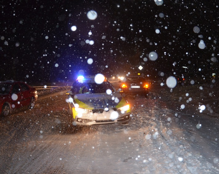 Die Polizei im Kreis Herford rückte mehrfach am Wochenende zur Unfallaufnahme aus.