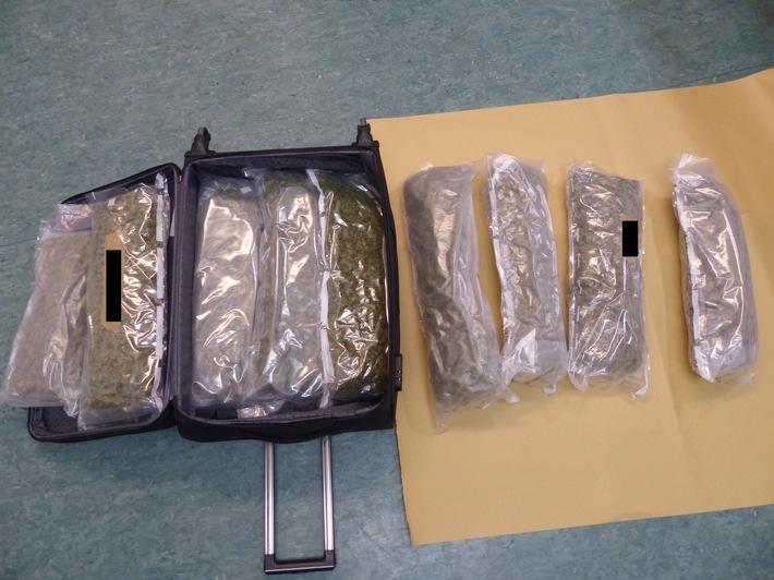 POL-FR: Freiburg: Festnahmen nach Beschaffungsfahrt - Polizei beschlagnahmt 14 kg Marihuana - ein Beschuldigter in Haft