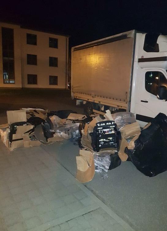 Mercedes-Fahrzeugteile aus dem LKW