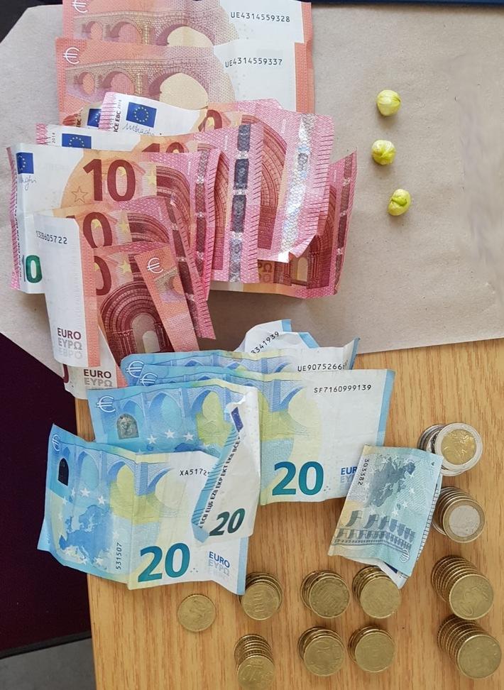 Drogen und Bargeld beschlagnahmt