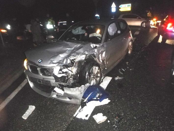 B271 im Berufsverkehr nach schwerem Verkehrsunfall gesperrt