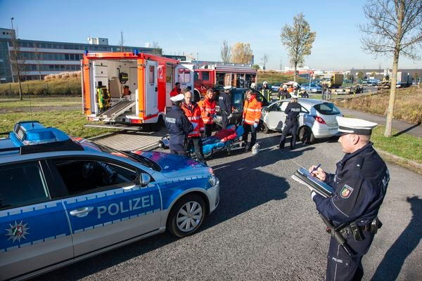 POL-REK: 180302-3: Autounfall mit schwer Verletzter - Brühl ...