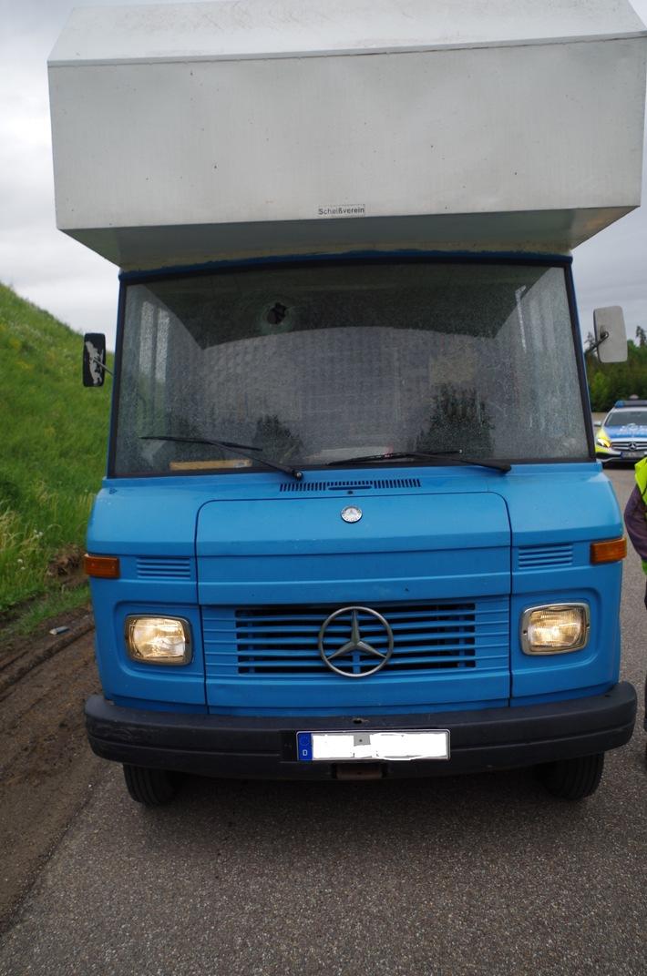 POL-KA: (Enzkreis) Friolzheim- A8- Ermittlungen zu Steinewerfern dauern an- Zeugen gesucht