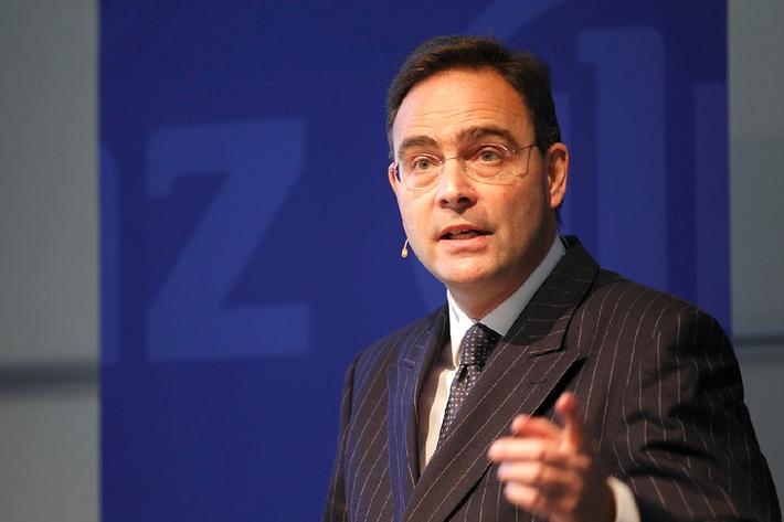 """Klaus-Peter Röhler, CEO, Allianz Suisse. / Testo complementare con ots e su www.presseportal.ch. L' utilizzo di quest'immagine è gratuito per scopi redazionali. Pubblicazione sotto indicazione di fonte: """"OTS.photo/Allianz Suisse""""."""