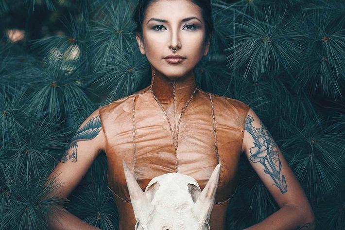 Indigene Fashion Week in Toronto - Auf der ersten indigenen Fashion Week in Toronto präsentieren indigene Designer ihre Kreationen
