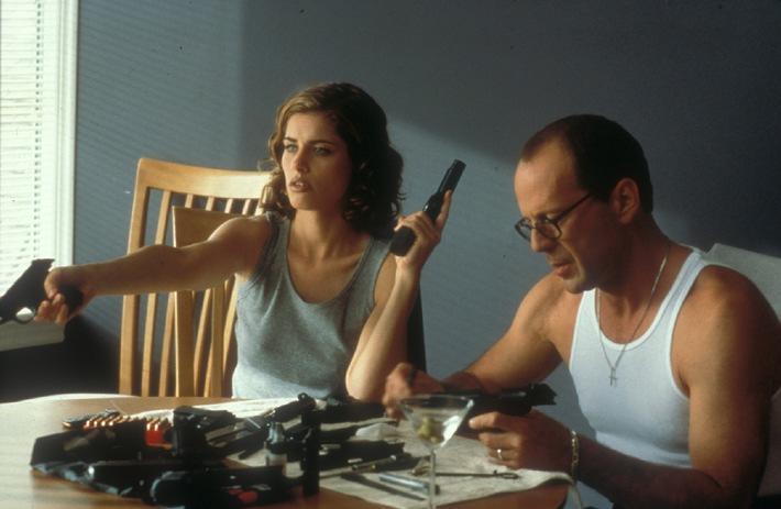 Nette Nachbarn: Killer Jimmy Tudeski (Bruce Willis) und Assistentin Jill (Amanda Peet)