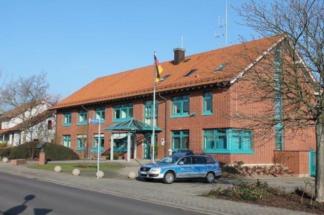 POL-PDLD: Burrweiler:  Verkehrsunfallflucht am Ritterhof