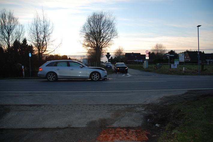 POL-AUR: Westerholt - Unfall mit drei leicht Verletzten