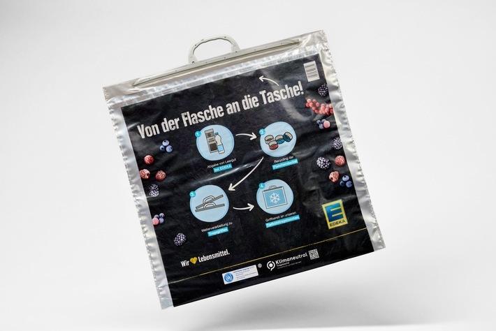 EDEKA-Tiefkühltasche erhält Deutschen Verpackungspreis in der Kategorie Nachhaltigkeit: Mit der Tasche wurden bereits über 1.600 Tonnen neuen Kunststoffs im EDEKA-Verbund eingespart und durch den sicheren Transport von Tiefkühl- und gekühlten Produkten zudem Lebensmittelverderb reduziert. / Weiterer Text über ots und www.presseportal.de/nr/51907 / Die Verwendung dieses Bildes ist für redaktionelle Zwecke unter Beachtung ggf. genannter Nutzungsbedingungen honorarfrei. Veröffentlichung bitte mit Bildrechte-Hinweis.