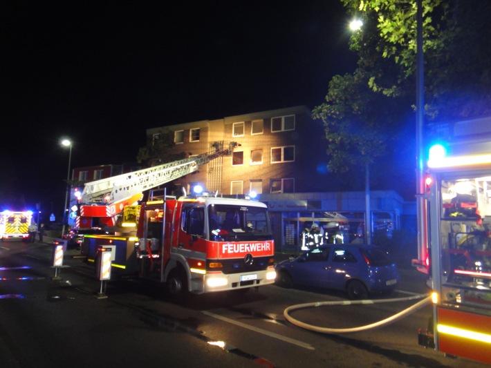 FW-NE: Zwei tote Hunde bei Wohnungsbrand