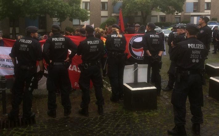 POL-RBK: Bergisch Gladbach - Polizei steht zwischen zwei Versammlungen