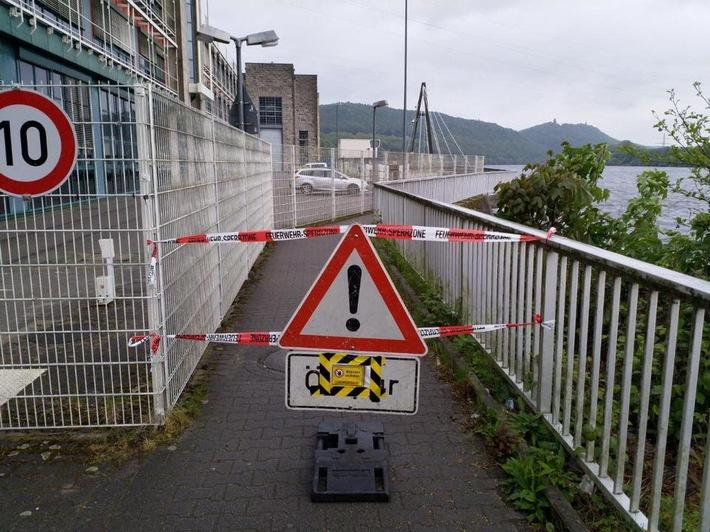 Der Fuß- und Radweg am Hengsteysee musste gesperrt werden.