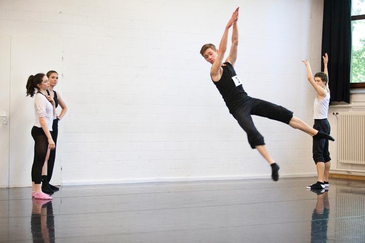 Pour-cent culturel Migros: concours de danse 2011  La fine fleur des jeunes artistes danseurs