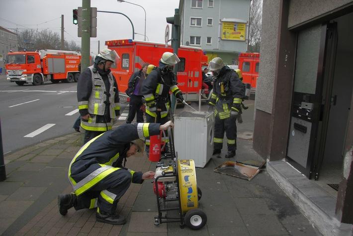 FW-E: Waschmaschine in Brand geraten