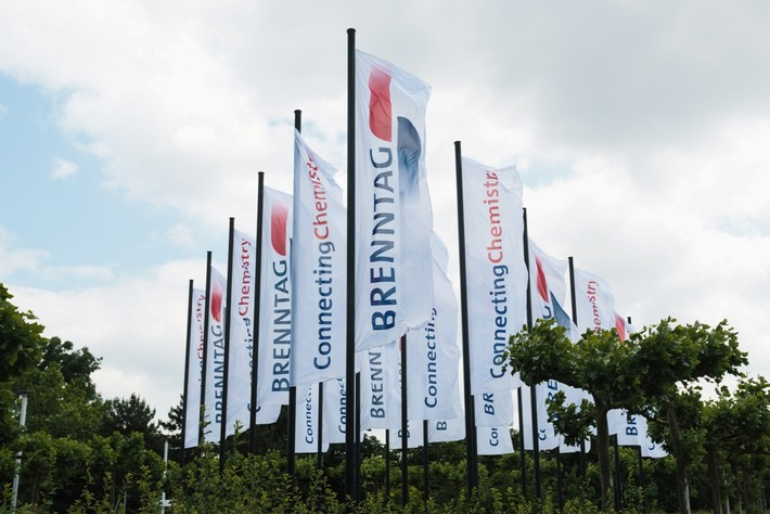 ▷ Brenntag strengthens its specialty chemicals platform in
