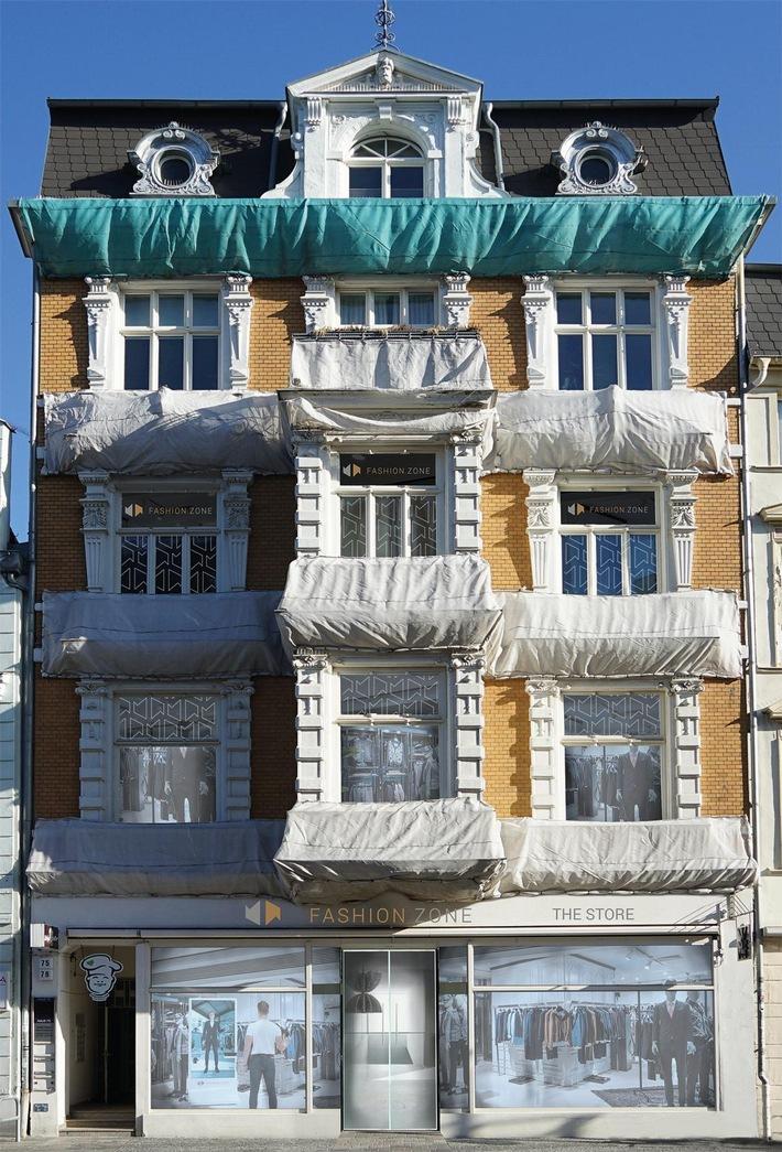 Das Gebäude im Herzen der Hansestadt Rostock, wo der FASHION.ZONE Store Einzug halten wird. Weiterer Text über ots und www.presseportal.de/nr/130968 / Die Verwendung<span id=