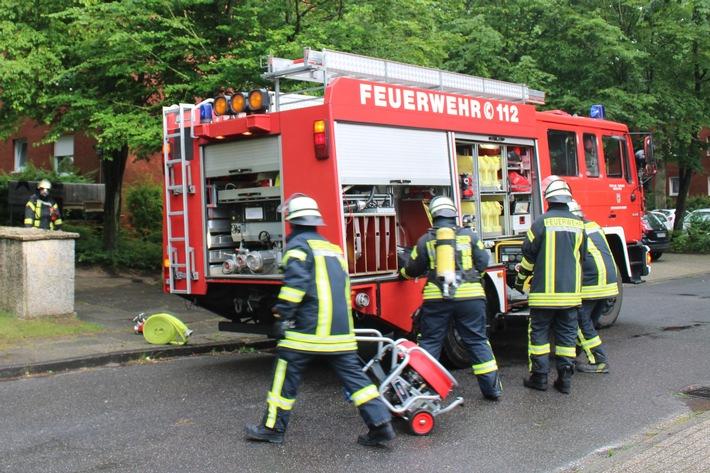 FW-LK Leer: Gasgeruch im Keller eines Mehrfamilienhauses