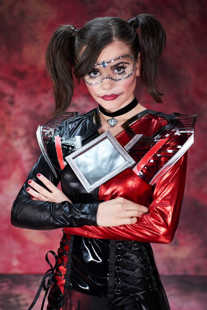 """Sissi gegen Sailor Moon: zweite Folge der neue Sky Eigenproduktion """"Miss Wildcard - Beauties Undercover"""" am Montag nur auf Sky 1"""