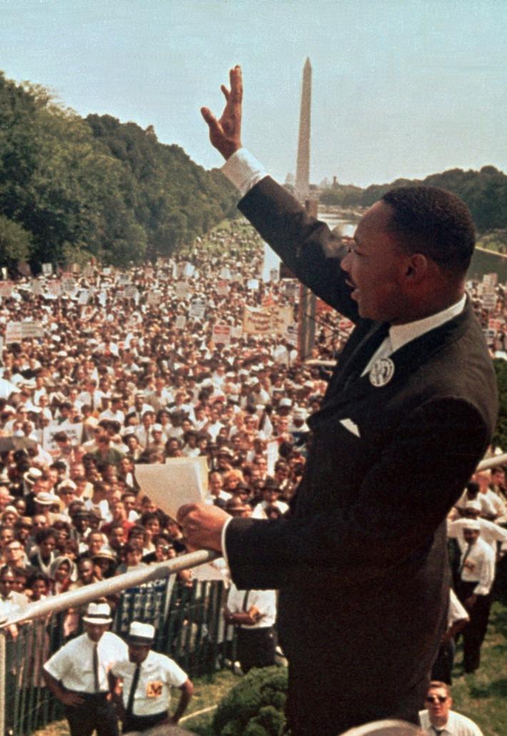 """Martin Luther King Jr. bei seiner """"I Have a Dream""""-Rede am Lincoln Memorial am 28. August, 1963. Bitte beachten Sie, dass die Verwendung des Bildmaterials nur in Verbindung mit der Berichterstattung über die Sonderprogrammierung auf dem TV-Sender HISTORY gestattet ist. Weiterer Text über ots und www.presseportal.de/nr/55632"""