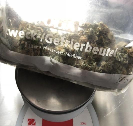 BPOL-FL: Auf dem Weg zur Arbeit - 85 Gramm Marihuana im Rucksack