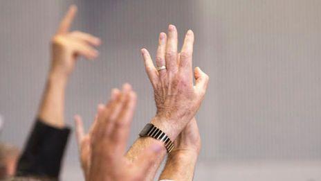 """SÜDWESTRUNDFUNK Rundfunkrat des SWR genehmigt Jahresabschluss 2016  Mainz. Der SWR Rundfunkrat hat in seiner heutigen Sitzung (Freitag, 30. Juni 2017) in Mainz den Jahresabschluss für das Jahr 2016 genehmigt. Eine Woche zuvor hatte der SWR Verwaltungsrat den Jahresabschluss ausführlich beraten und festgelegt. Der Südwestrundfunk schließt das Haushaltjahr 2016 mit einem negativen operativen Ergebnis von -32,3 Mio. Euro ab. © SWR/Monika Maier, honorarfrei - Verwendung gemäß der AGB im Rahmen einer engen, unternehmensbezogenen Berichterstattung im SWR-Zusammenhang bei Nennung: """"Bild: SWR/Monika Maier"""" (S2 ). SWR-Presse/Fotoredaktion, Tel. 07221/929-22453, Fax-22059, foto@swr.de. Weiterer Text über ots und www.presseportal.de/nr/7169 / Die Verwendung dieses Bildes ist für redaktionelle Zwecke honorarfrei. Veröffentlichung bitte unter Quellenangabe: """"obs/SWR - Südwestrundfunk"""""""
