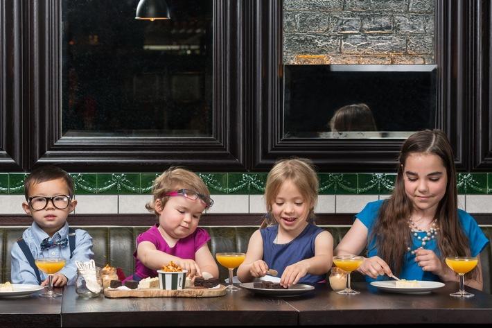 """Mehr als die Hälfte der Gäste wählt familienfreundliche Italiener und gut ein Drittel geht gerne in Restaurants, die regionale Landesküche anbieten, mit der Kinder vertraut sind. Weiterer Text über ots und www.presseportal.de/nr/105547 / Die Verwendung dieses Bildes ist für redaktionelle Zwecke honorarfrei. Veröffentlichung bitte unter Quellenangabe: """"obs/Bookatable GmbH & Co.KG/Bookatable by Michelin"""""""